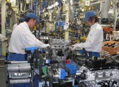 久留米工場の組付工程 |ダイハツ九州の期間工